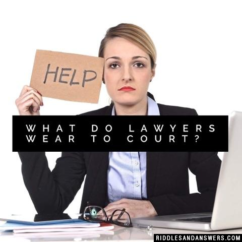 What do lawyers wear to court?